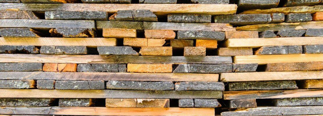 Co należy wiedzieć o drewnie konstrukcyjnym?