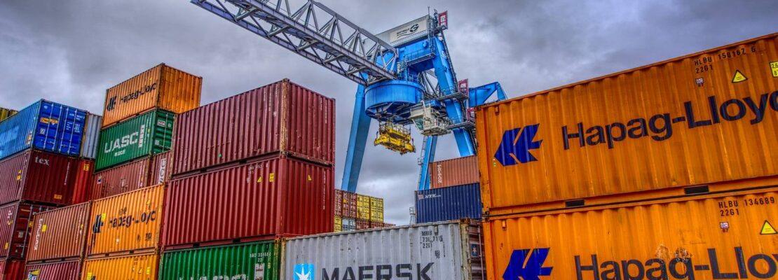 Zamawianie kontenerów morskich transportowych